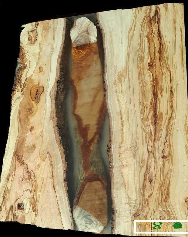 Tavolo in legno resina epossidica legnami for Tavolo resina epossidica