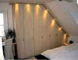 armadio in legno su misura