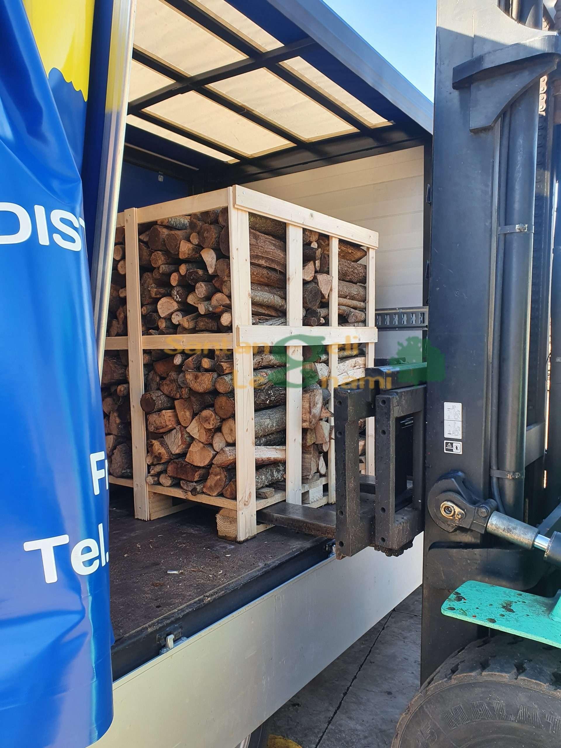 Bancale di legna consegna con sponda